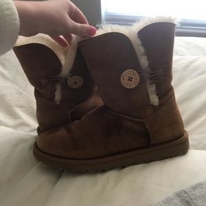 Chestnut bailey button ugg boots